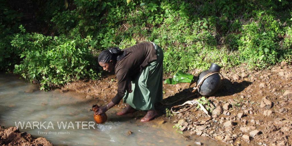 A causa raiz dos principais problemas de saúde da Etiópia é a propagação de doenças perpetuadas pela falta de sistemas de água e saneamento básico.