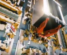 O primeiro elevador sem cabos com movimentos vertical e horizontal