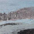 Geleira gigantesca desmorona por mais de uma hora na Groenlândia