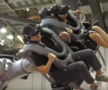 Uma experiência incrível de Realidade Virtual combinado com um braço robótico